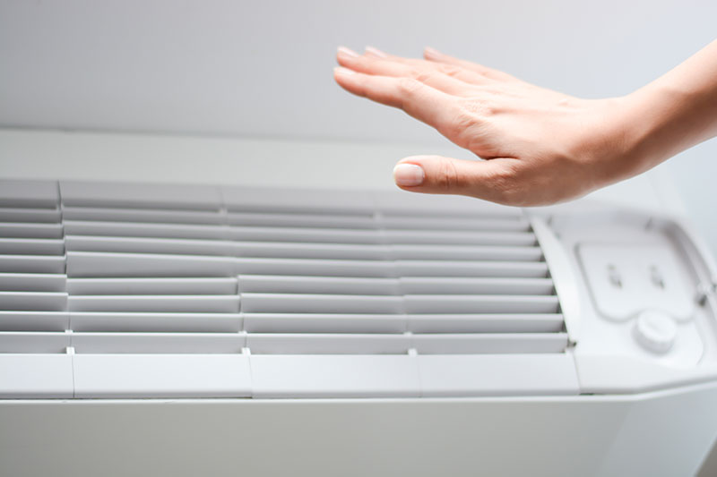 How to fix an air conditioner blowing hot air