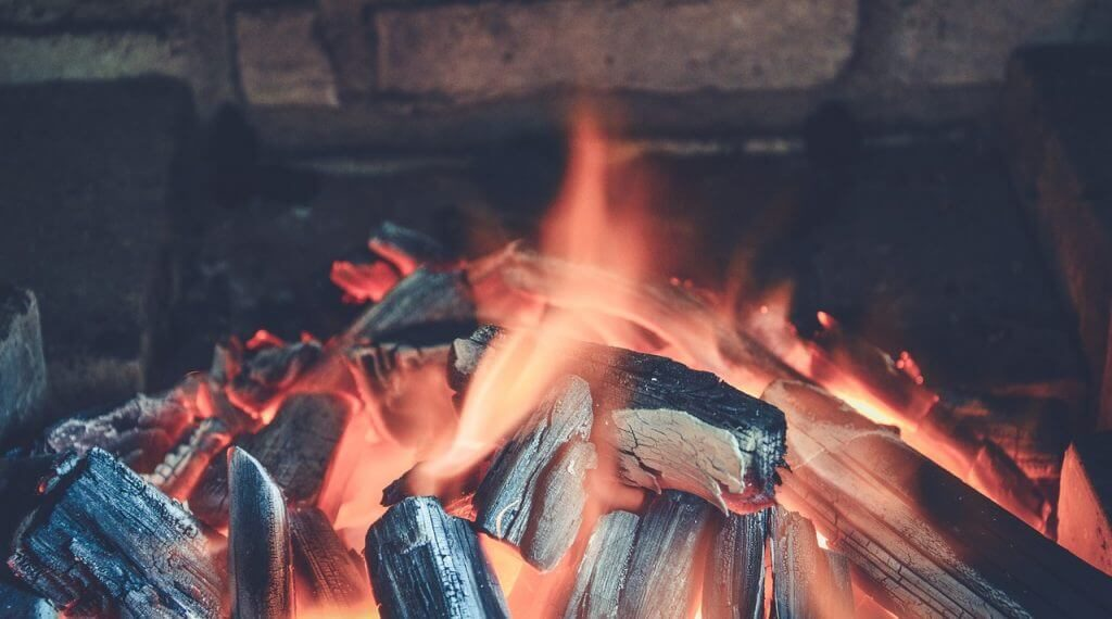 How To Build The Perfect Fire In Your Fireplace